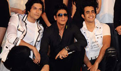 11jun SRKpromotingAKK00 Producer Shah Rukh Khan worked to Promote Always Kabhi Kabhi
