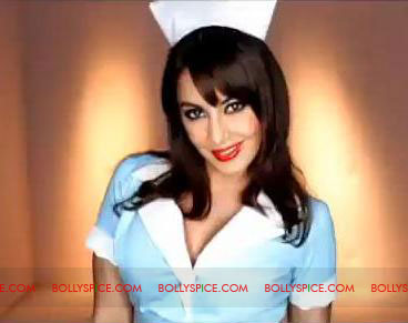 11jun minissha nurse BF2 01 Minisshas Look inspired by International actor Darryl Hannah