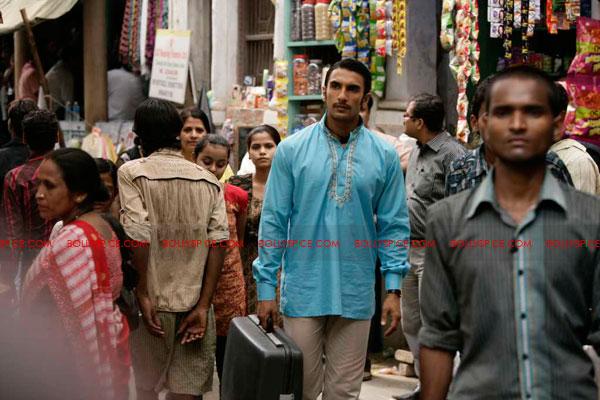 11jun rickybahl luchnowi01 Ricky Bahl strikes Lucknowi Style