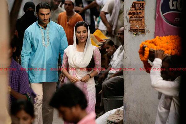 11jun rickybahl luchnowi02 Ricky Bahl strikes Lucknowi Style