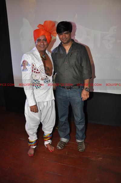 11jun sukhwinder sairam05 Sukhwinder Singh brings out Sai Bhajan