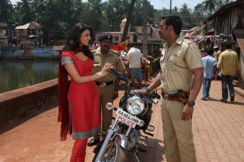 Kajal Aggarwal and Ajay Devgn Temperatures soar this Summer as Ajay Devgn plays 'Singham'