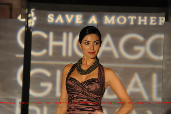 11jul CGR06 Fashion Lights up the Chicago Global Runway