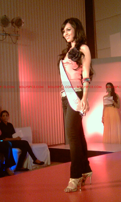 11jul IAmShe Fashion09 BollySpice at I Am She fashion event