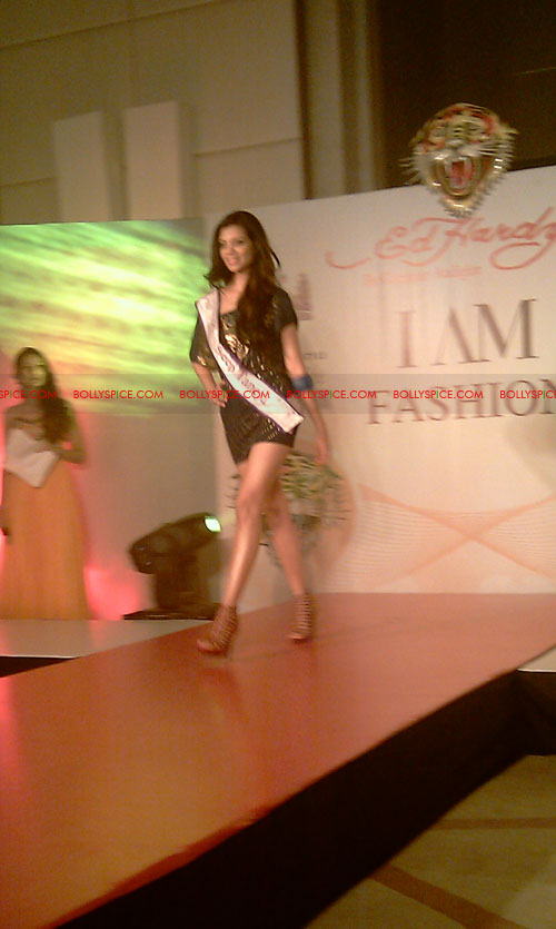 11jul IAmShe Fashion15 BollySpice at I Am She fashion event