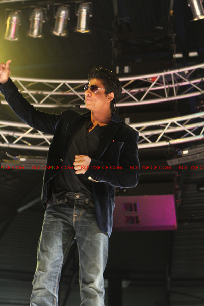 11jul charla SRK Arjun03 The Shah Rukh Khan   Arjun Rampal Holland Experience!