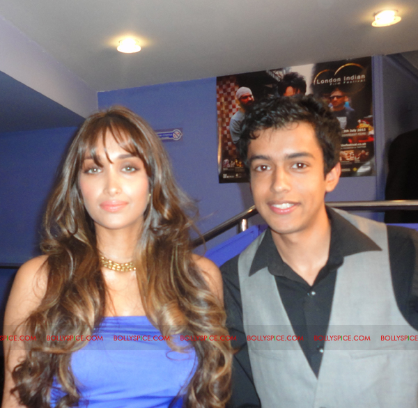11jul jiahkhan londonDB02 Tête à tête with Jiah Khan at the World Premier of Delhi Belly in London