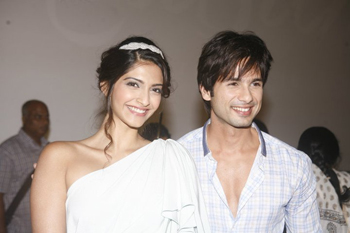 "11jul mausum music01 ""This film means a lot more to us than just a film"": Shahid at Mausam Trailer launch"