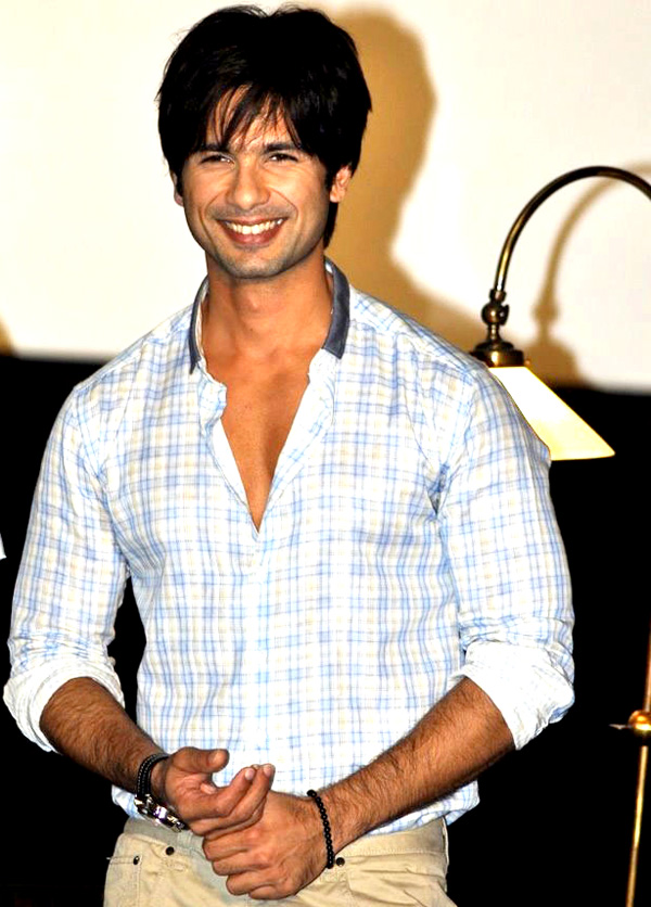 "11jul mausum music06 ""This film means a lot more to us than just a film"": Shahid at Mausam Trailer launch"