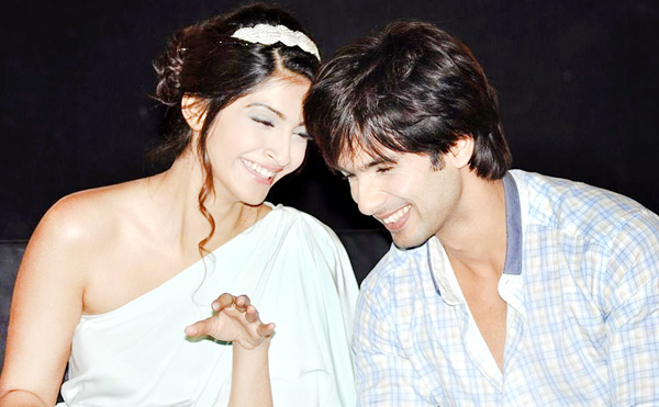 "11jul mausum music07 ""This film means a lot more to us than just a film"": Shahid at Mausam Trailer launch"