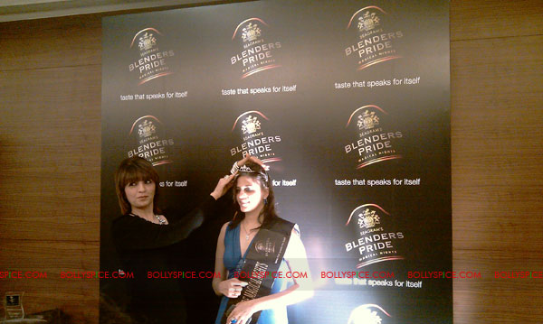 11jul neha blenders pride01 Neha Dhupia at Blenders Pride Magical Nights