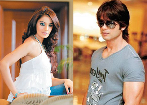 11jul shahid bipz Bipasha dating Shahid?