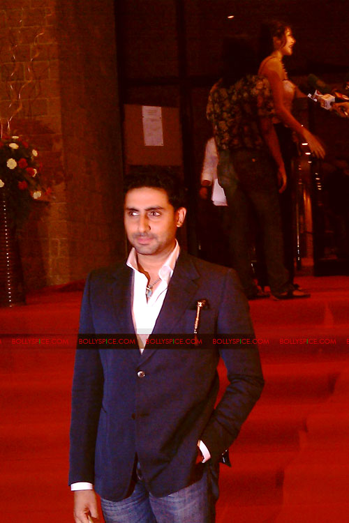 11jul tajexpress02 Red Carpet Premiere of 'Taj Express'