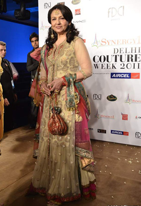 11jul whwndelhi3n4 01 Whos Hot Whos Not   Delhi Couture Week   Day 3 and Day 4