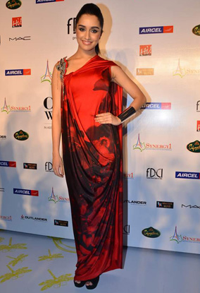 11jul whwndelhi3n4 12 Whos Hot Whos Not   Delhi Couture Week   Day 3 and Day 4