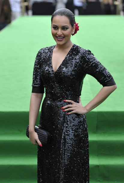 11jul whwniifaawards04 Whos Hot Whos Not   IIFA Awards – Green carpet and Awards ceremony