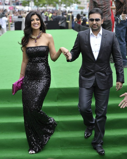 11jul whwniifaawards06 Whos Hot Whos Not   IIFA Awards – Green carpet and Awards ceremony