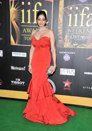 11jul whwniifaawards11 Whos Hot Whos Not   IIFA Awards – Green carpet and Awards ceremony