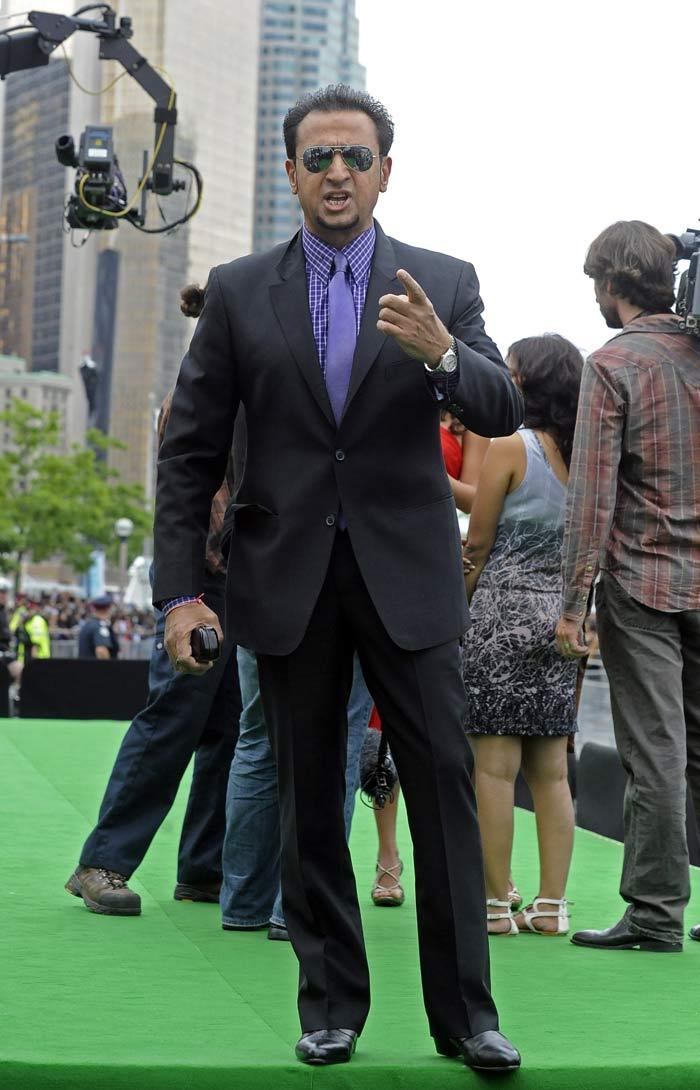 11jul whwniifaawards14 Whos Hot Whos Not   IIFA Awards – Green carpet and Awards ceremony