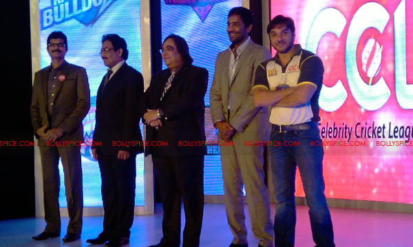 11aug CCL salman02 Salman at Celebrity Cricket League launch