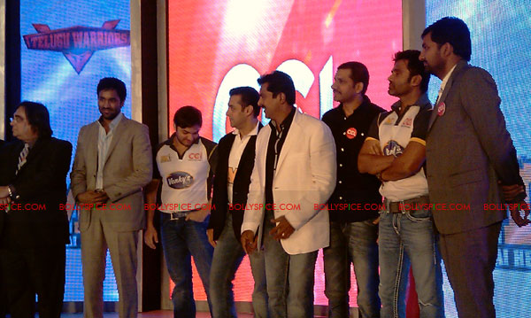 11aug CCL salman14 Salman at Celebrity Cricket League launch