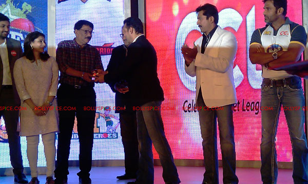 11aug CCL salman20 Salman at Celebrity Cricket League launch