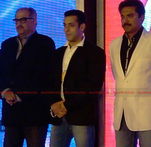 11aug CCL salman30 300x292 Salman at Celebrity Cricket League launch