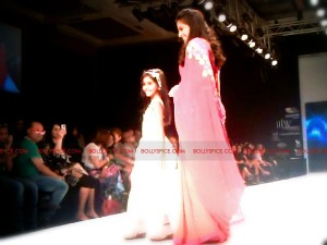 11aug Day1 IIJW01 300x225 Bolly and Telly Stars Walk the ramp at IIJW