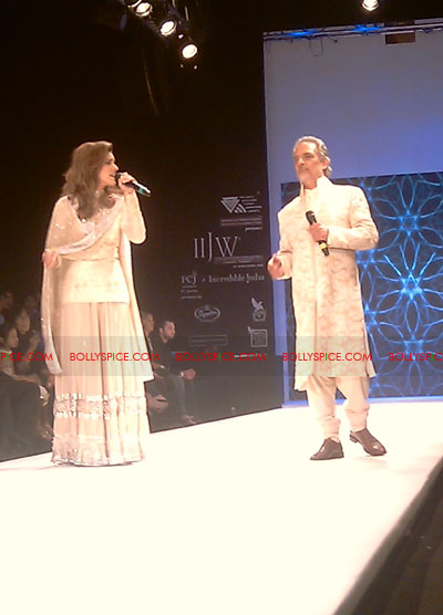 11aug IIJWgeetanjali06 Bolly and Telly Stars Walk the ramp at IIJW