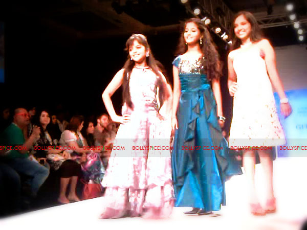 11aug IIJWgeetanjali29 Bolly and Telly Stars Walk the ramp at IIJW
