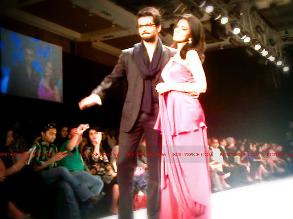 11aug IIJWgeetanjali31 Bolly and Telly Stars Walk the ramp at IIJW