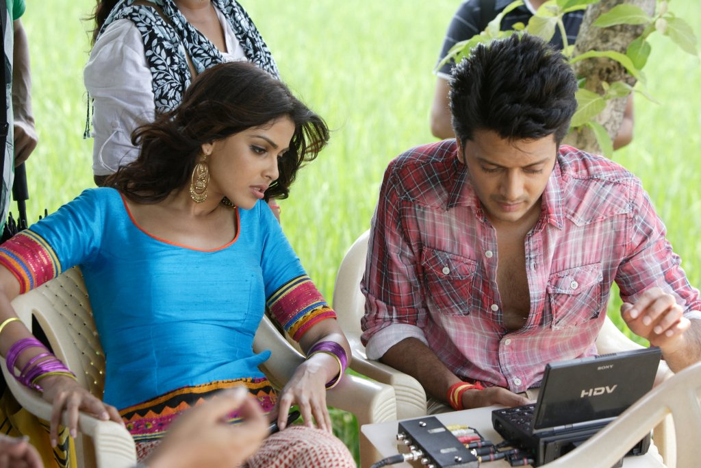 11aug TNPH prodstills23 Preview: Riteish and Genelias Tere Naal Love Ho Gaya!