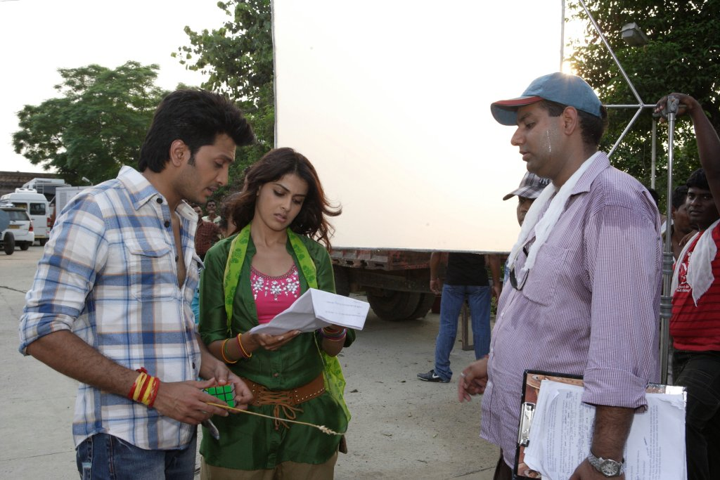 11aug TNPH prodstills28 Preview: Riteish and Genelias Tere Naal Love Ho Gaya!