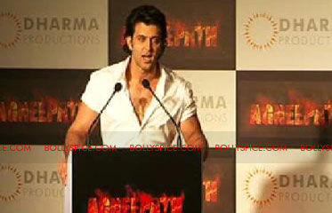 11aug agneepathtrailerlaunch10 Exclusive: BollySpice at Agneepath Trailer Launch