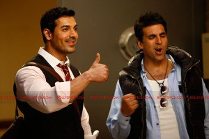 "11aug desiboyzduo 300x200 Rohit Dhawan reunites the ""Garam Masala"" jodi for his directorial debut Desi Boyz"