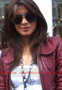 11aug herohonda01 Bollywood Celebs in London Despite Riots