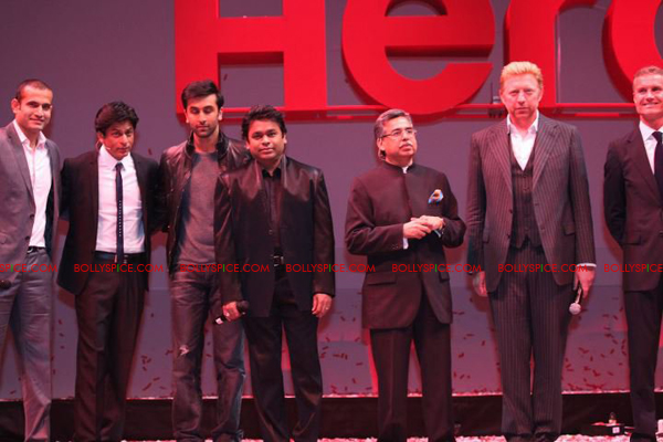 11aug herohonda05 Bollywood Celebs in London Despite Riots