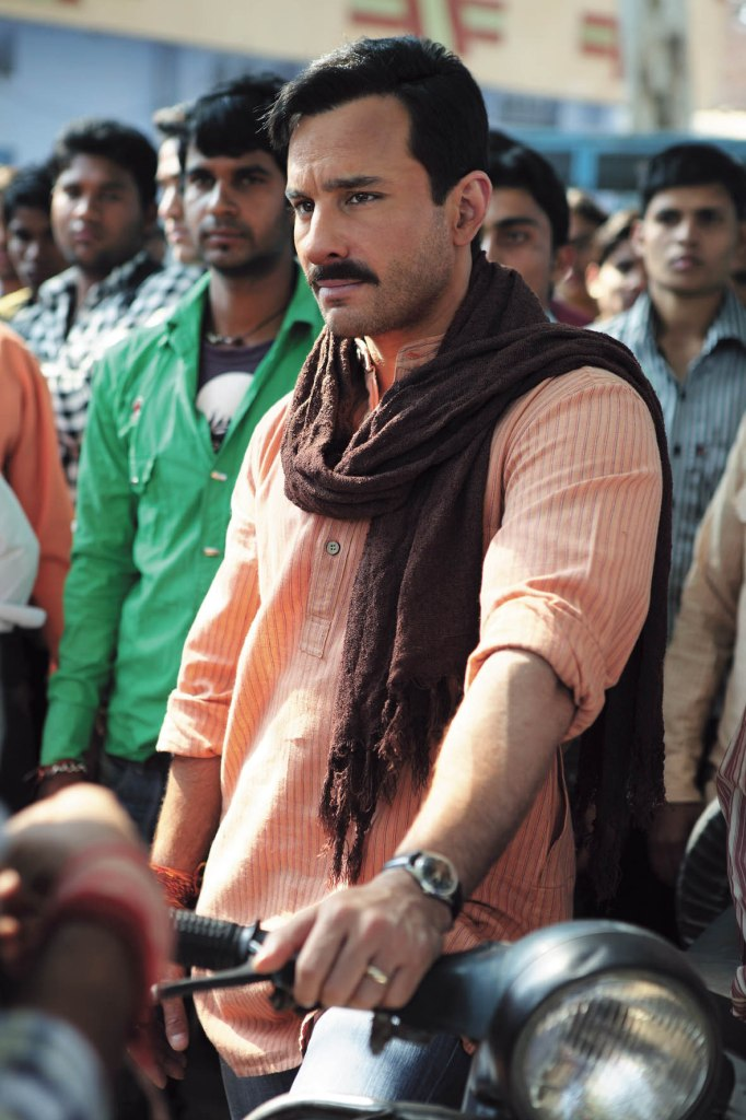 11aug saifkibasanit Saif Ali Khan's Basanti on the sets of Aarakshan