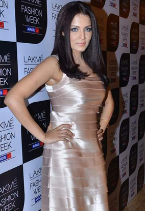 11aug whwn day1to4lakme01 Whos Hot Whos Not – Lakme Fashion Week – Day 1 to 4