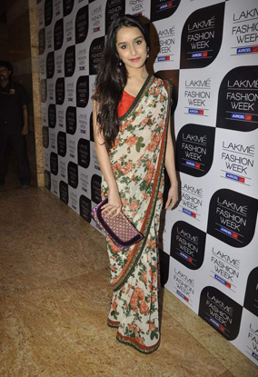 11aug whwn lakme finale03 Whos Hot Whos Not – Lakme Fashion Week – Sabyasachi, Day 5 and the Finale!