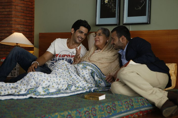 11sep LBZ stills02 Love BreakUps Zindagi In Pictures
