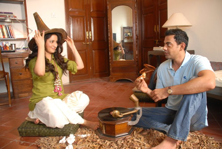 11sep LBZ stills05 Love BreakUps Zindagi In Pictures