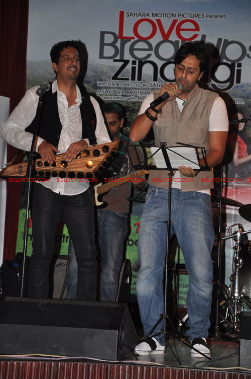 11sep LBZmusiclaunch04 Music Launch of Love BreakUps Zindagi