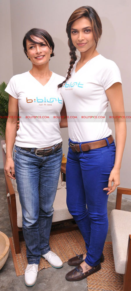 11sep bbluntlaunchdeepika02 Deepika Padukone launches the new b:blunt salon in Bangalore