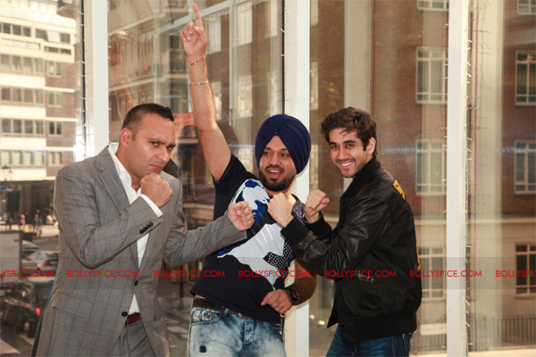 11sep breakawaypress05 Special Report: Speedy Singhs Press Conference London!