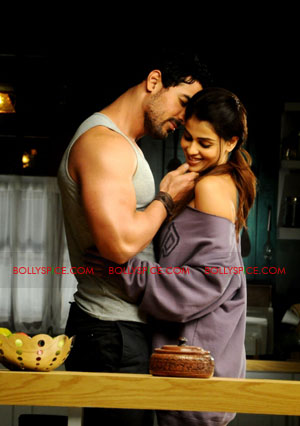 11sep force chemistry John Abraham and Genelia DSouzas sizzling chemistry in FORCE