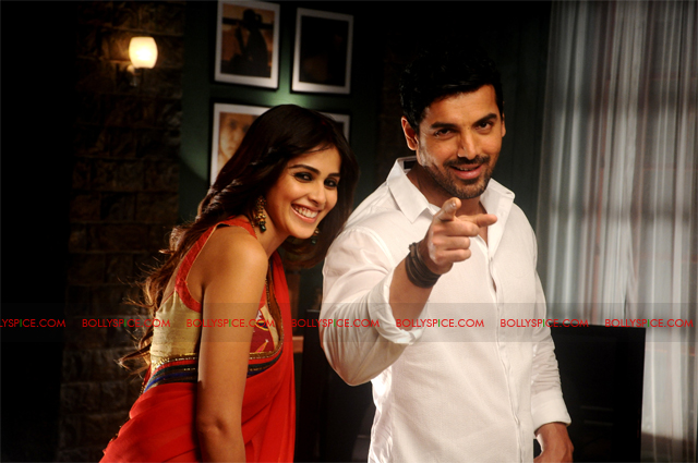 11sep forceexclusive04 Exclusive New Stills of Genelia and John from Force!
