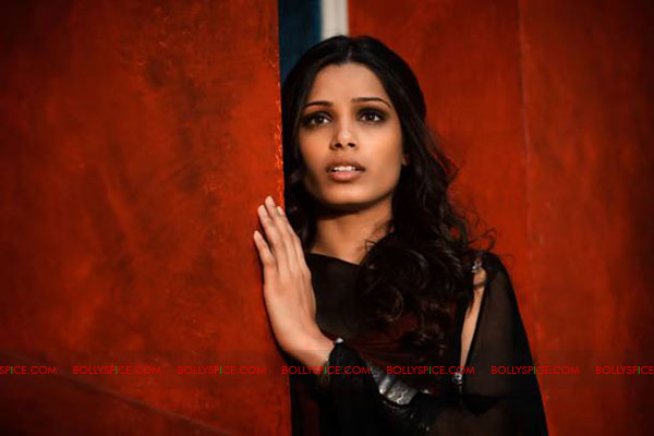 11sep freida immortals Gorgeous Freida Pinto in Immortals