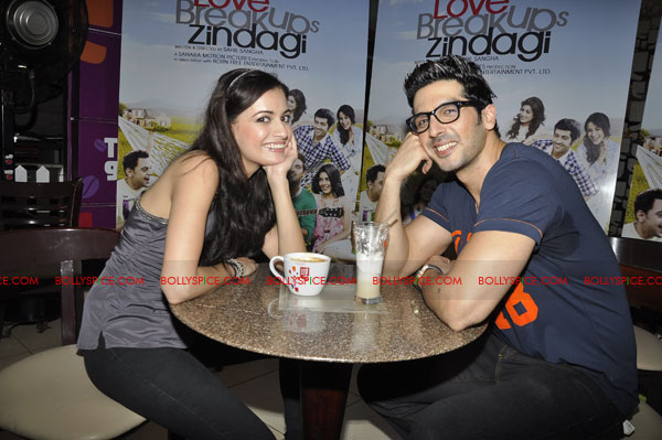 11sep lbz coffeeday01 Love BreakUps Zindagi & Cafe Coffee Day