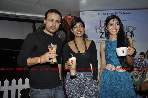 11sep lbz coffeeday04 Love BreakUps Zindagi & Cafe Coffee Day